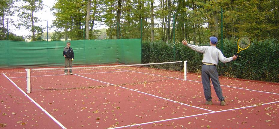 Vous pourrez faire du tennis au camping Canada