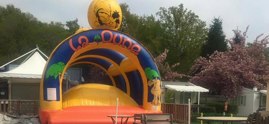 Les tructures gonflables du camping en Yvelines